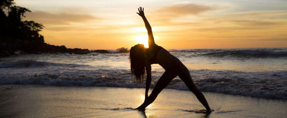 Yoga strand Ibiza